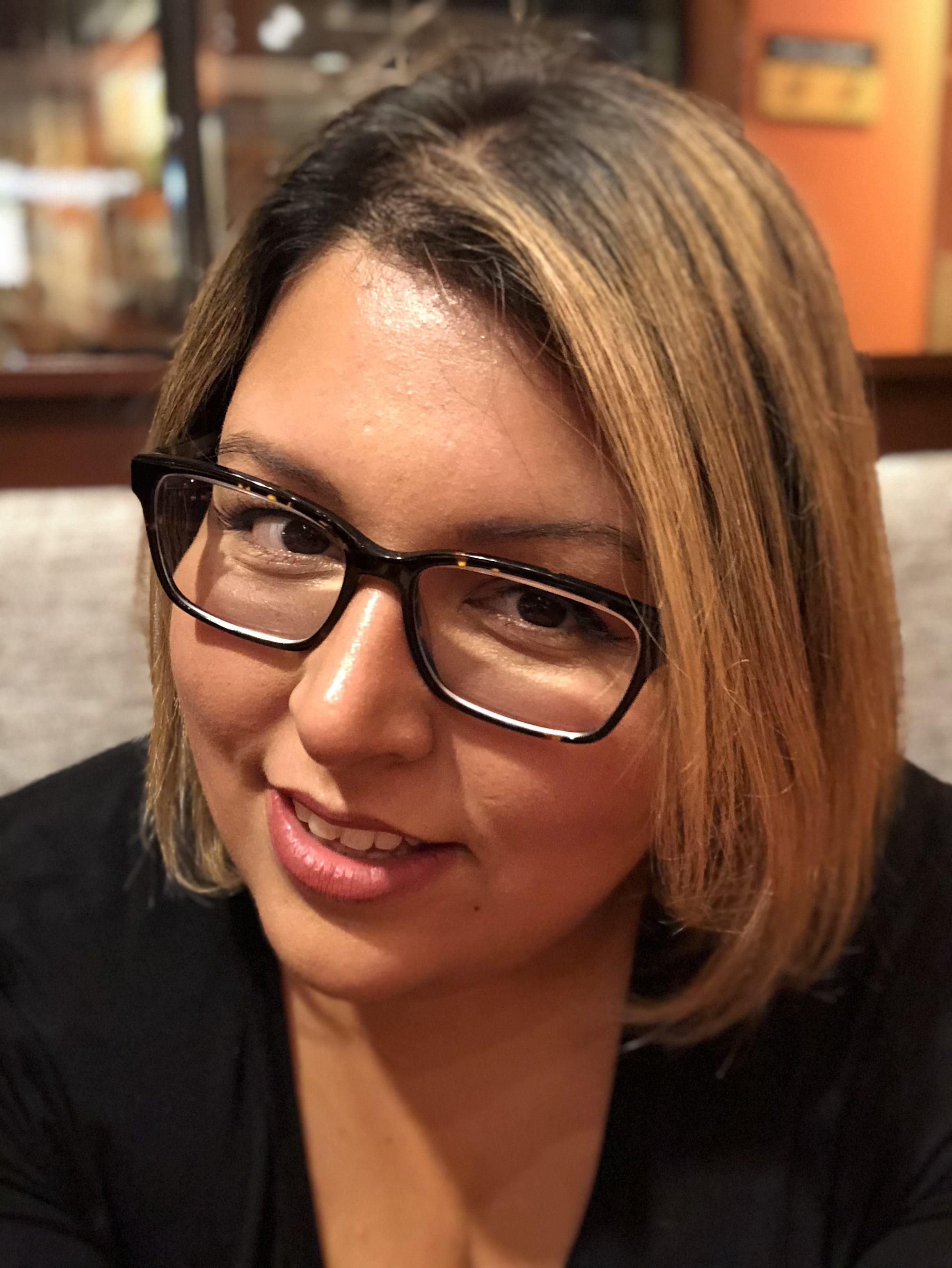 Ana Hernandez Headshot